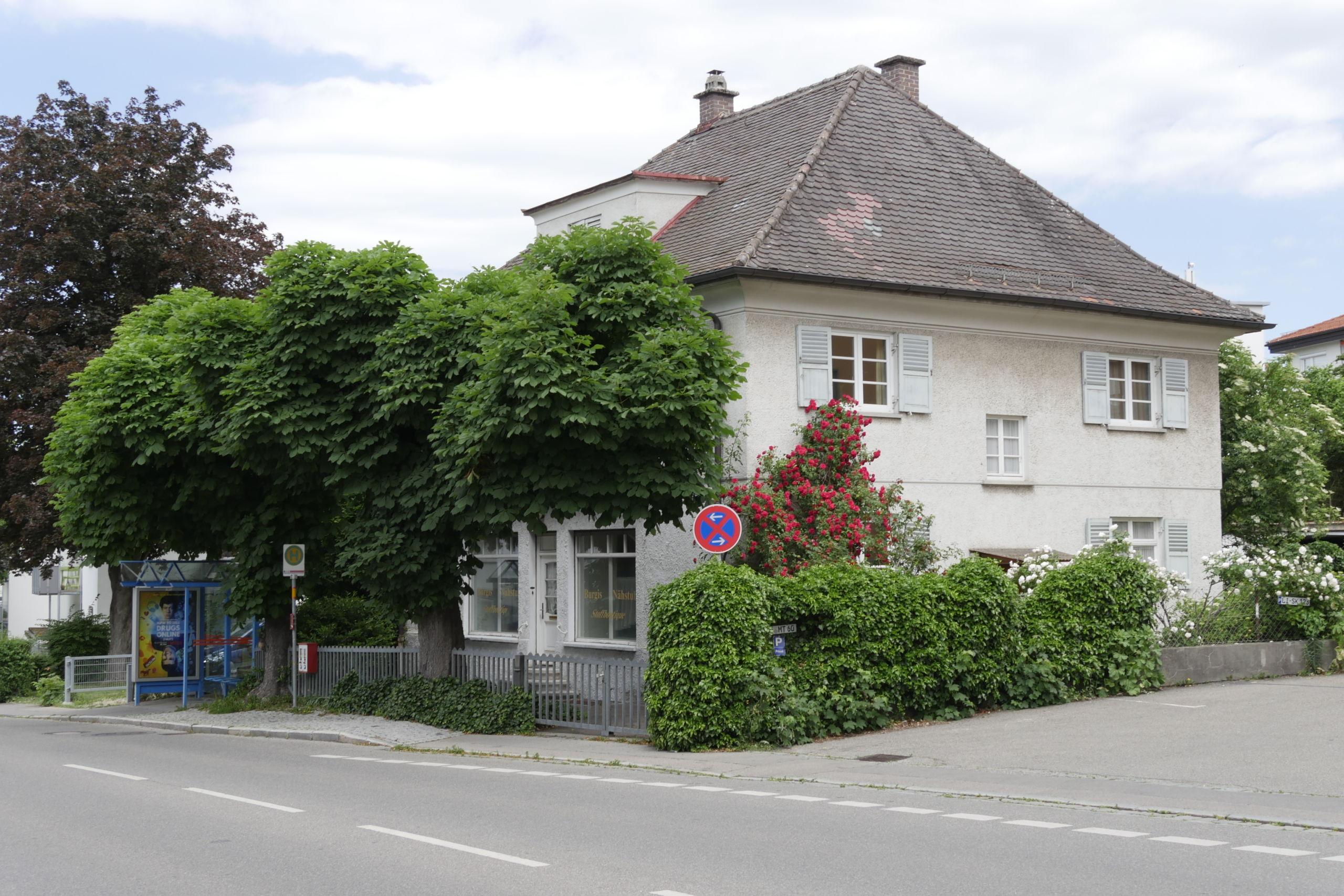 Bücherladen, Wackerstraße 4